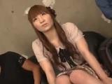 アダルト動画 - 【H動画】集まったファンの目の前でエッチする可愛い女の子