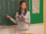 生徒のお父さん親に犯されて中だしされてしまう奥様女性教師