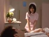 欲求不満とは無縁!?夜勤で男性入院患者とHしちゃう看護師