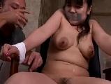 母乳フェチな男性たちに囚われて犯されてしまう母乳の出る人妻たち
