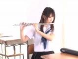 可愛い美乳女子が教室で先生とエッチ