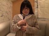 眼鏡を掛けた素人若妻とホテルでハメ撮り
