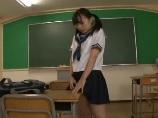 オナニーしていたら先生に見つかってハメられちゃったロリ系の可愛い制服女子