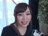 AV撮影現場で働く可愛いスタイリストに美容液と騙して媚薬を飲ませたら・・・