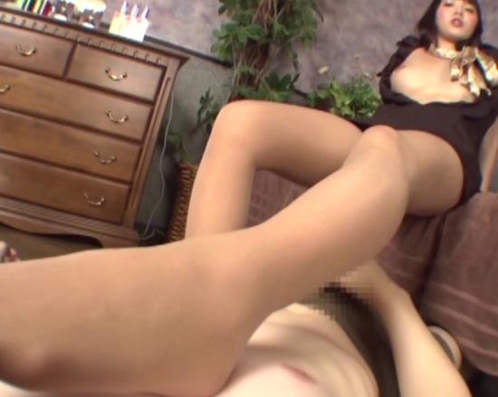 卑猥な淫語と蒸れたパンストの足裏で足コキマッサージ抜きの脚フェチDVD画像5