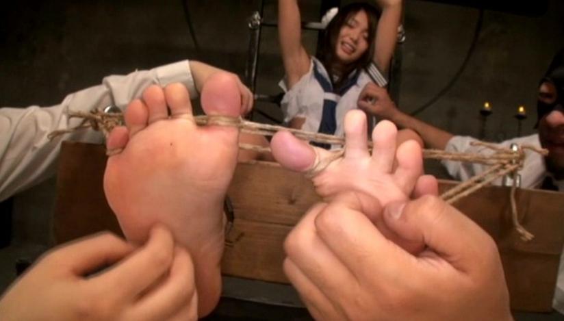 全身くすぐり体罰 篠めぐみの脚フェチDVD画像2