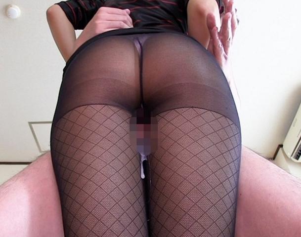 お姉さんのパンスト美脚の太腿に肉棒を擦り付ける太腿コキの脚フェチDVD画像1