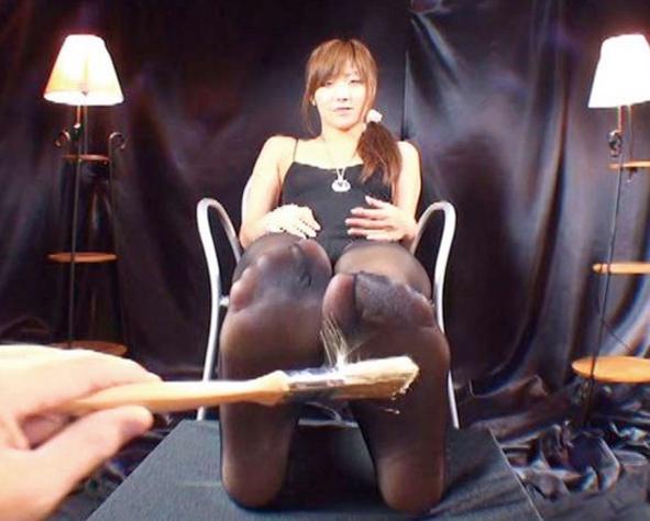 パンストお姉さんの足コキ責めやパンスト足裏や爪先の動画の脚フェチDVD画像6