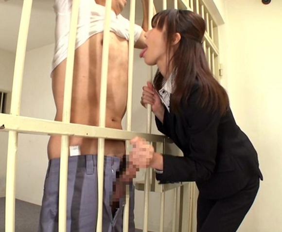 美人弁護士が依頼者の肉棒をパンストの爪先で足コキ抜きの脚フェチDVD画像3