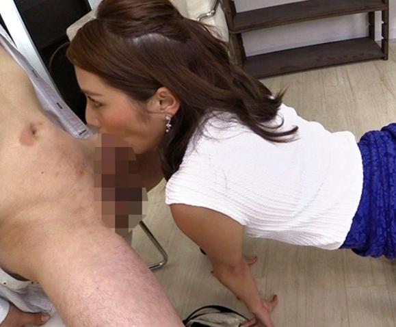 蒸れ蒸れのパンスト美脚お姉さんをバックからハメる着衣SEXの脚フェチDVD画像3