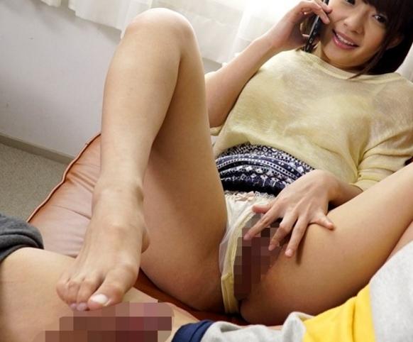 可愛くって淫乱でドエスな妹に生足で足コキされる痴女性交の脚フェチDVD画像5