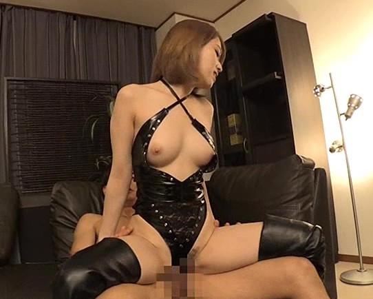 スレンダー美少女が素人男の肉棒を生足コキで責めまくるの脚フェチDVD画像6