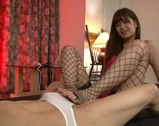 ドエス美少女がM男のアナルを犯し網タイツで足コキ責めの脚フェチDVD画像5