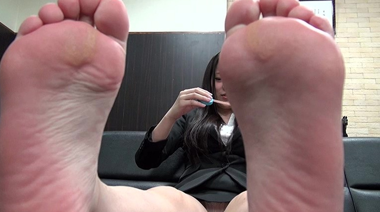 自分で自分の足の裏を撮影した女の子。の脚フェチDVD画像5