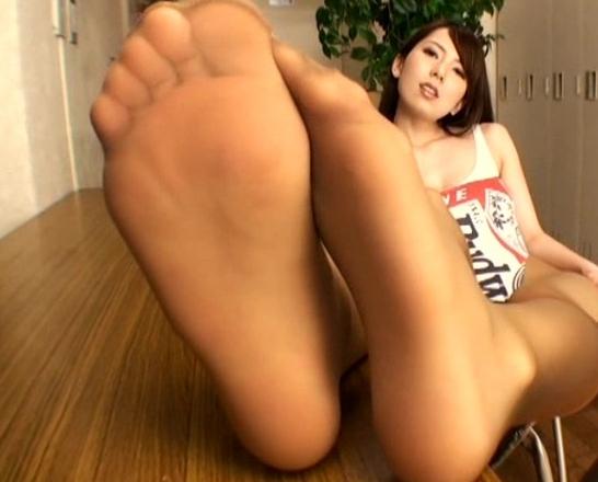 蒸れたパンスト足裏や足指やつま先の堪能する足フェチ動画の脚フェチDVD画像5