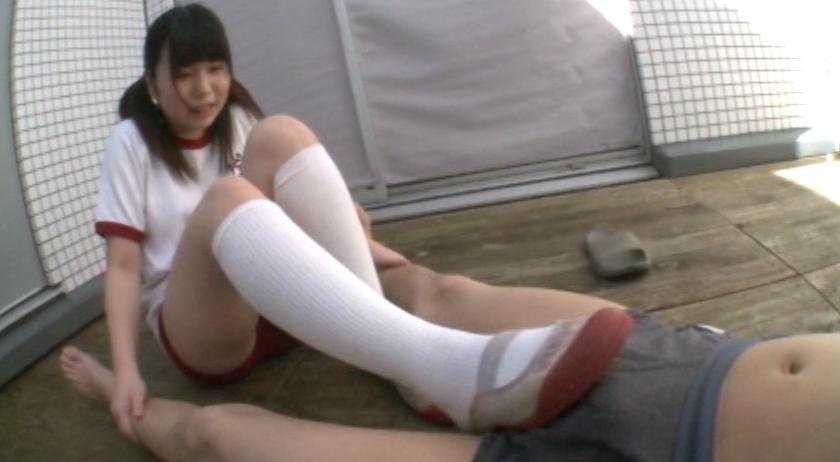 真夏のJK!集団女子臭足虐め!!の脚フェチDVD画像2