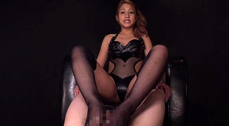 ハーフ美少女高城アミナが男達をボコボコにした日の脚フェチDVD画像3