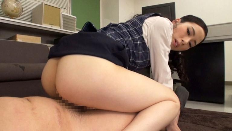 M男と淫語オフィスレディー 二宮和香の脚フェチDVD画像6