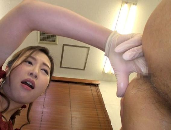美しい痴女お姉さんにドスケベな淫語と足コキで責められ足射の脚フェチDVD画像4