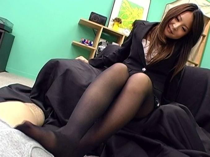 パンスト教師の足フェチが泣いて喜ぶバイブレーション足コキの脚フェチDVD画像1