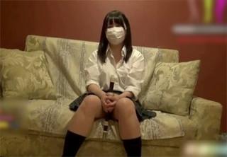 【個人撮影】 ガチ女子校生っぽい・・クラリネットに代わりにチンコをくわえる少女の円光!