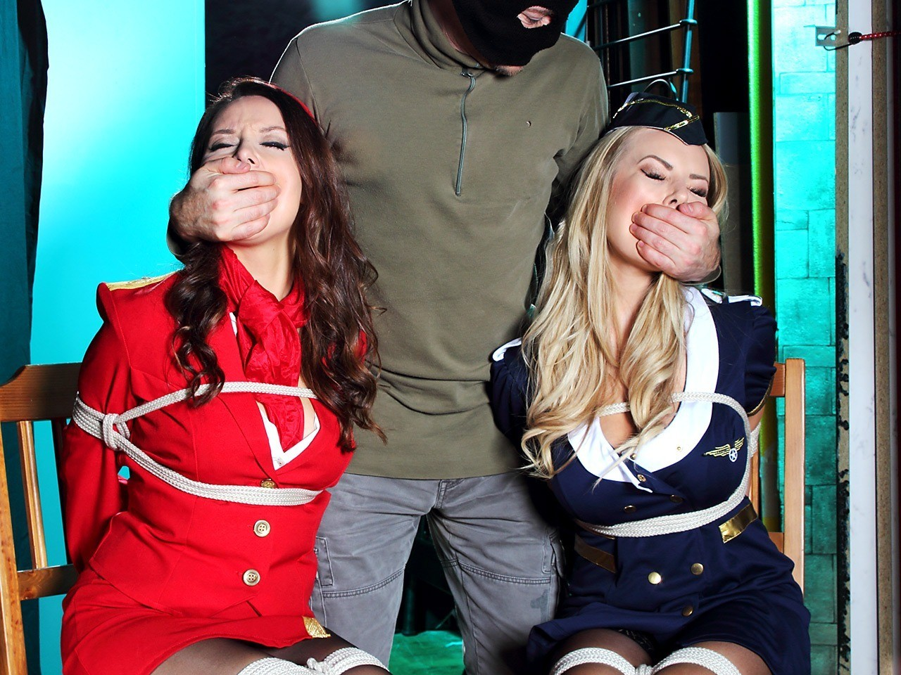【ハンドギャグ】女性の口を塞ぐ行為に萌え2YouTube動画>83本 dailymotion>2本 ->画像>136枚