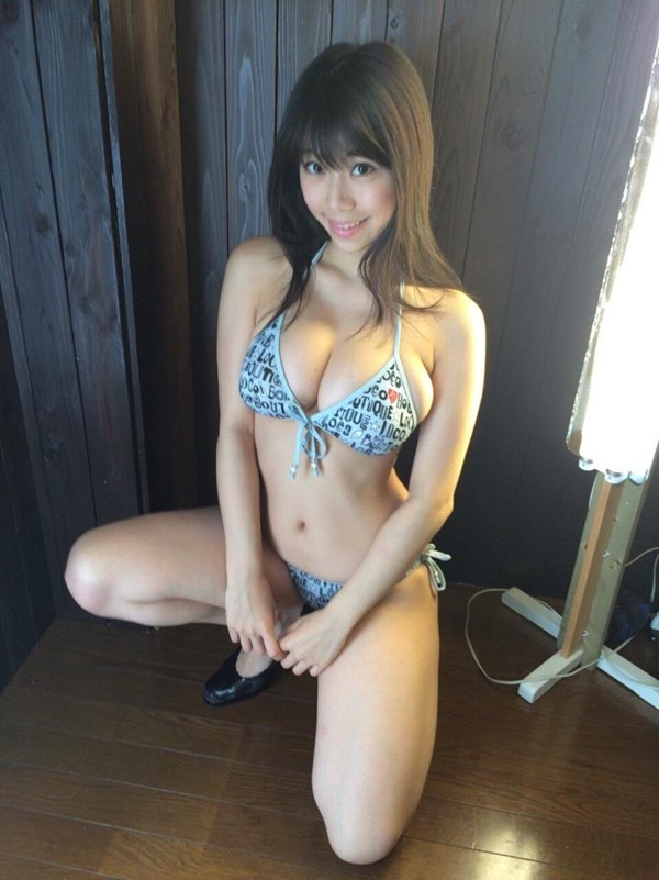 鈴木ふみ奈 グラビア15
