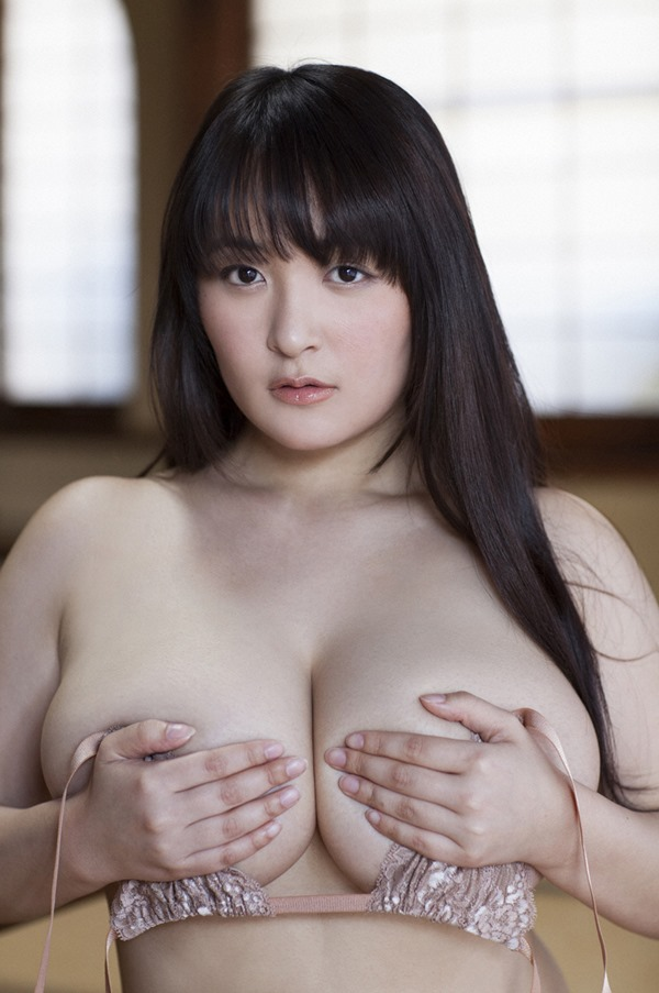 柳瀬早紀 巨乳20