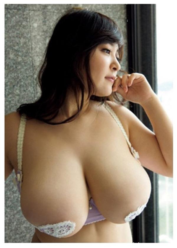 柳瀬早紀 巨乳23