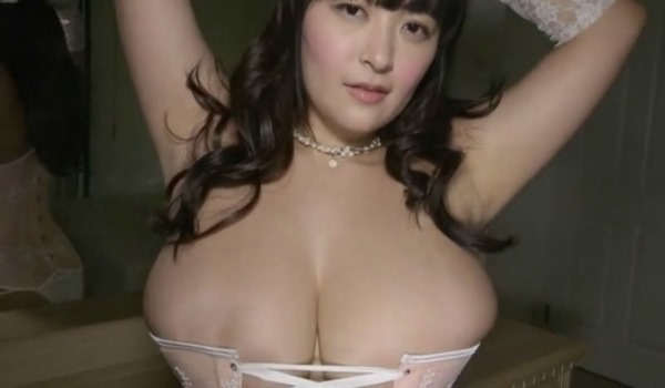 柳瀬早紀 巨乳27