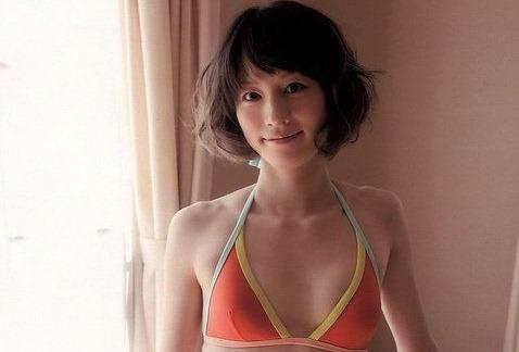 (宮島咲良アナの細身ミズ着写真)スーパー戦隊オタクの美しい乳に▼お股☆