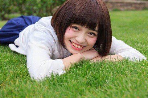 (手塚せいあ(橋本環奈似)ミズ着グラビア写真・ムービー)おへそ&お乳カワイんゴ☆