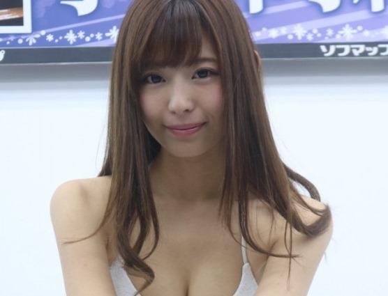 (西内まりや似・小日向結衣のお乳お尻お股グラビア写真・ムービー)グラドル☆