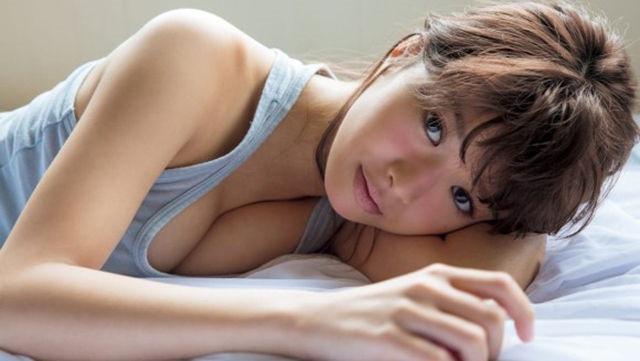 (甘えん坊・馬場ふみか上半身裸ぬーど写真・ムービー)キュートな美巨乳☆