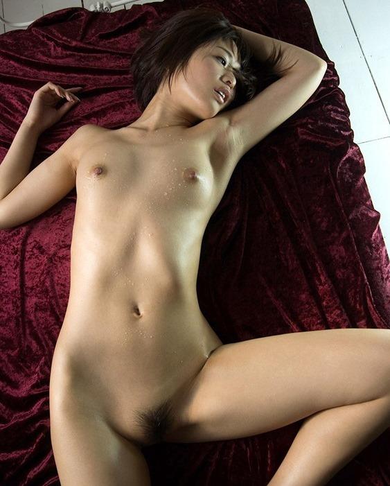 (川上奈々美の汗したたる裸体ぬーど)(乳房・お尻)えろ写真45枚☆