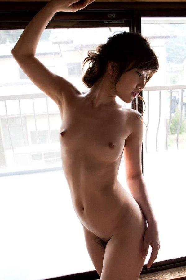 【恵比マス・市川まさみの胸が美乳】(おっぱいヌード)エロ画像40枚!