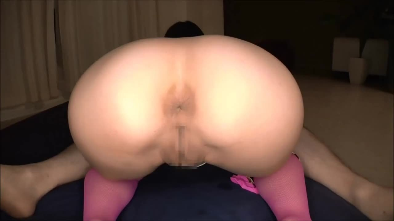(ケツの穴)ぽちゃのシロウト女性のケツの穴ムービー。ケツの穴マル見え☆