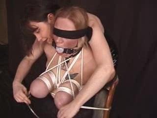 ボンレスハム爆乳!オッパイを縄で縛り上げられて大変なことになってます!【ぽっちゃりデブ】
