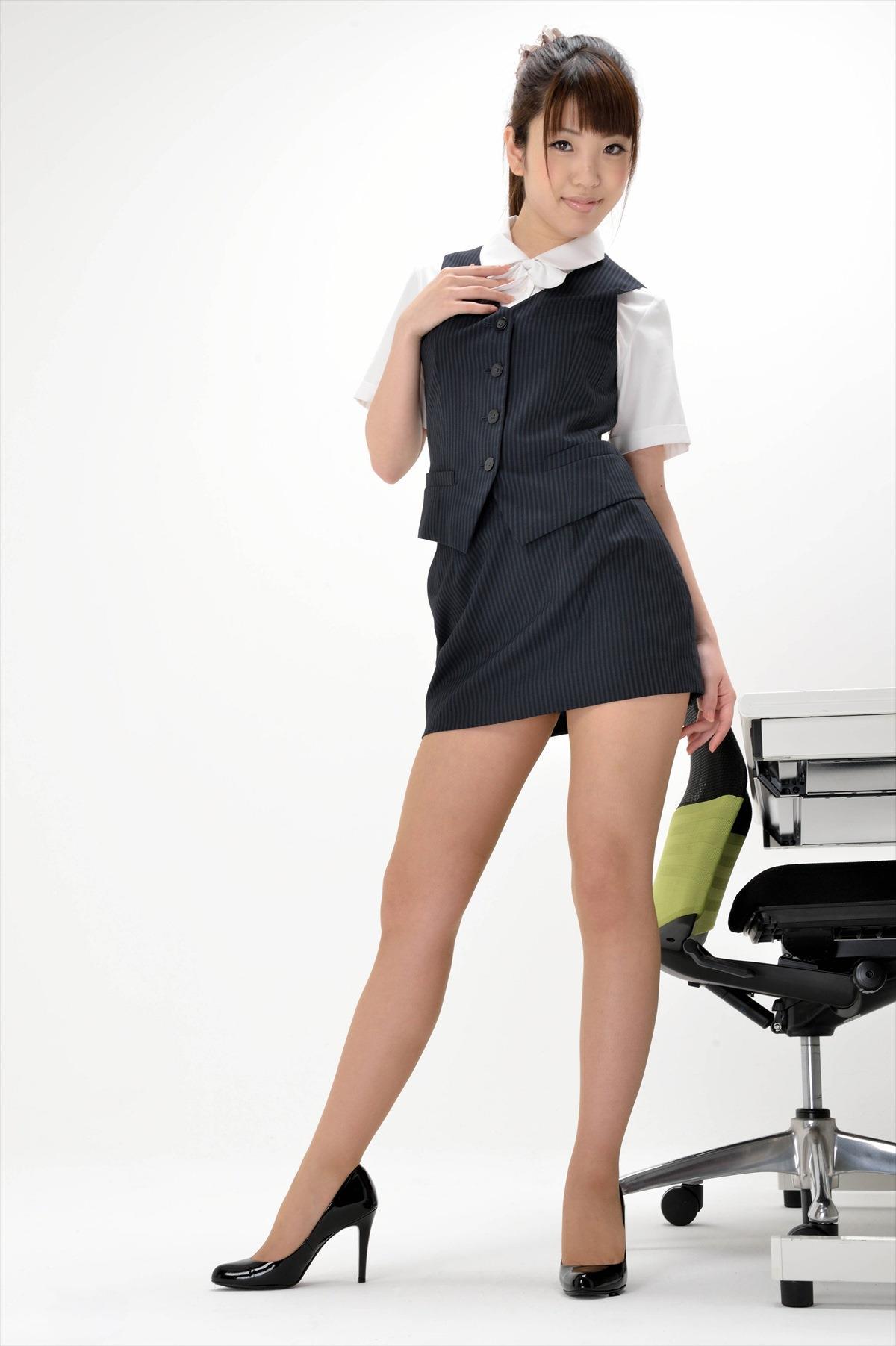 スカート短いOLさん4