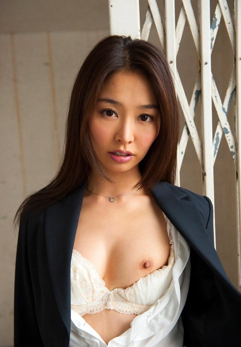 夏目彩春28