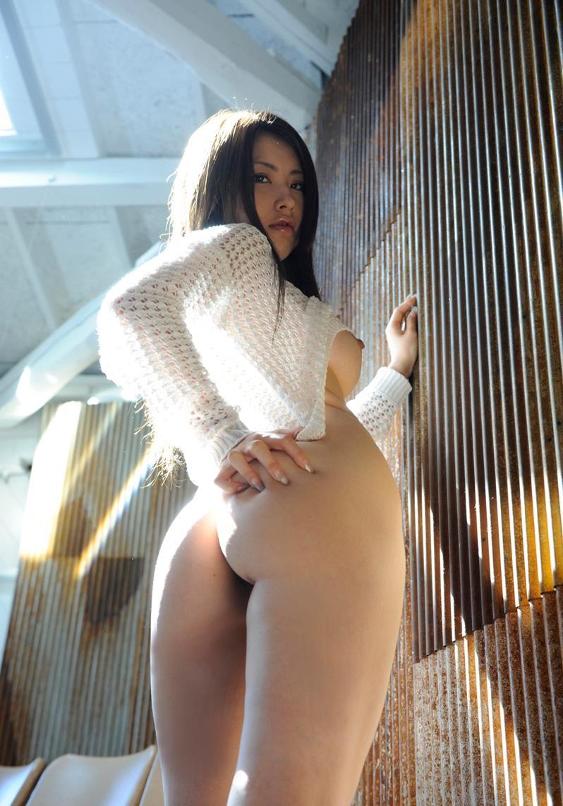 バック体位がよく似合う艶やか尻エロ画像の女!ケツデカ娘って膣の締め付け凄いんですwww第四弾:matomeja様