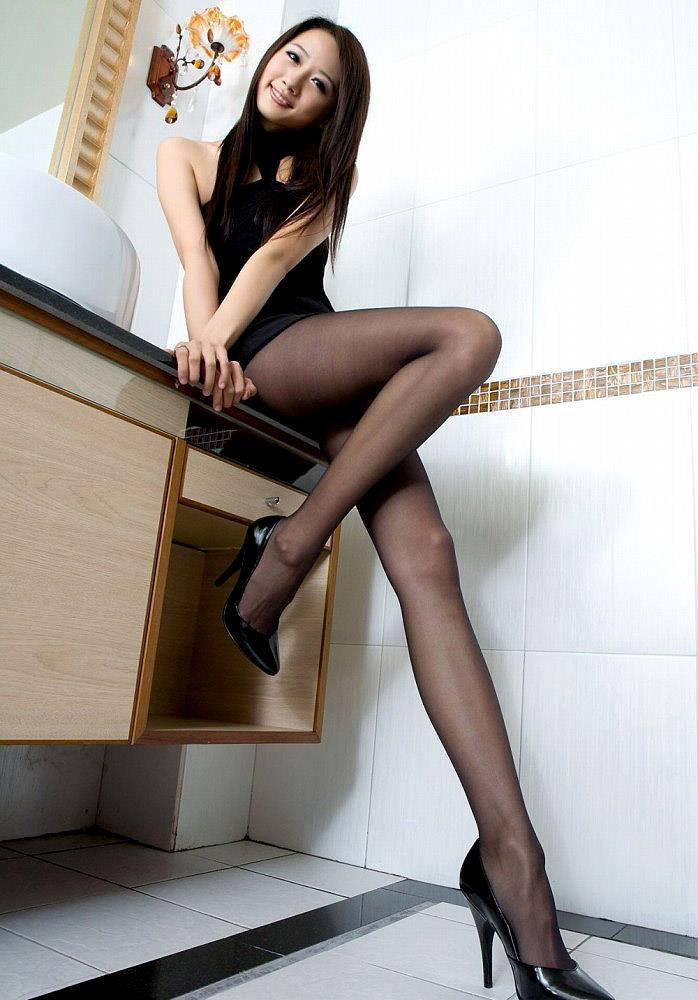 アダルト画像3次元 - 冬こそ旬な黒おぱんちゅストッキング娘を愛でる、きれいな脚愛好家が集いし画像 パート16