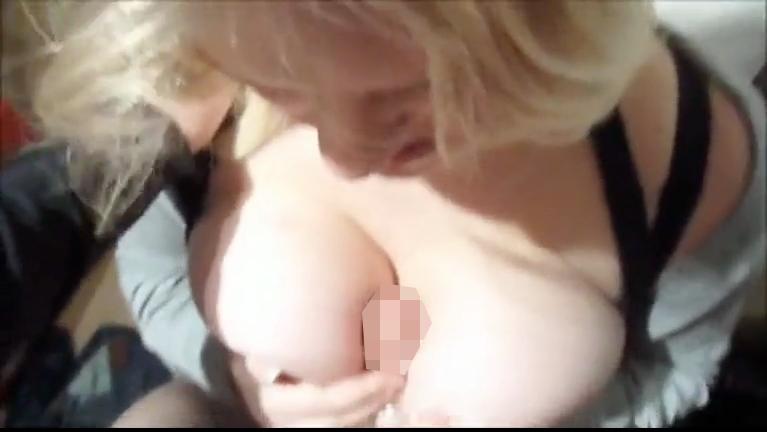brajob_out_amateur_blonde_bracbra_3.png