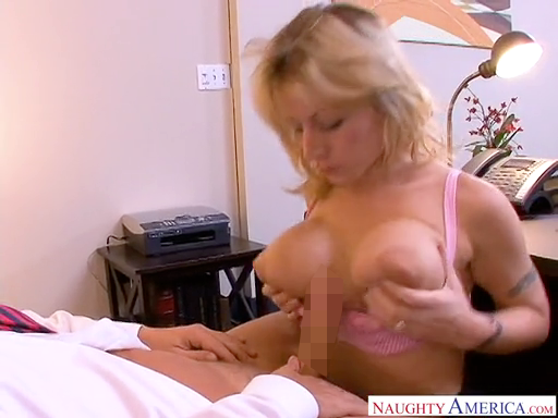 brajob_out_naughtyamerica_velicty_von_4.png
