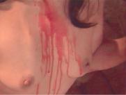 乳房をつたう赤いワイン