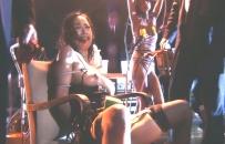 いきなり裸にされていすに座らされている名美
