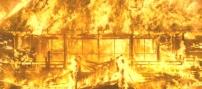 炎に包まれる本能寺