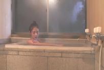 入浴している
