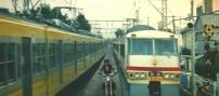 電車の線路で併走する