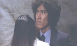 京子が泣きながら・・